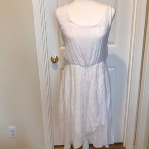 AUW Large White Sleeveless Dress